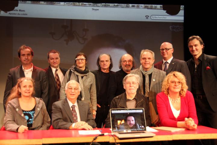Photo officielle - Les 13 étonnés (crédit photo Irois Léger)